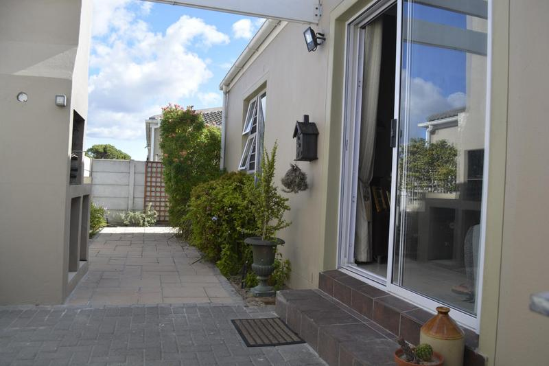 Property For Sale in Muizenberg, Cape Town 5